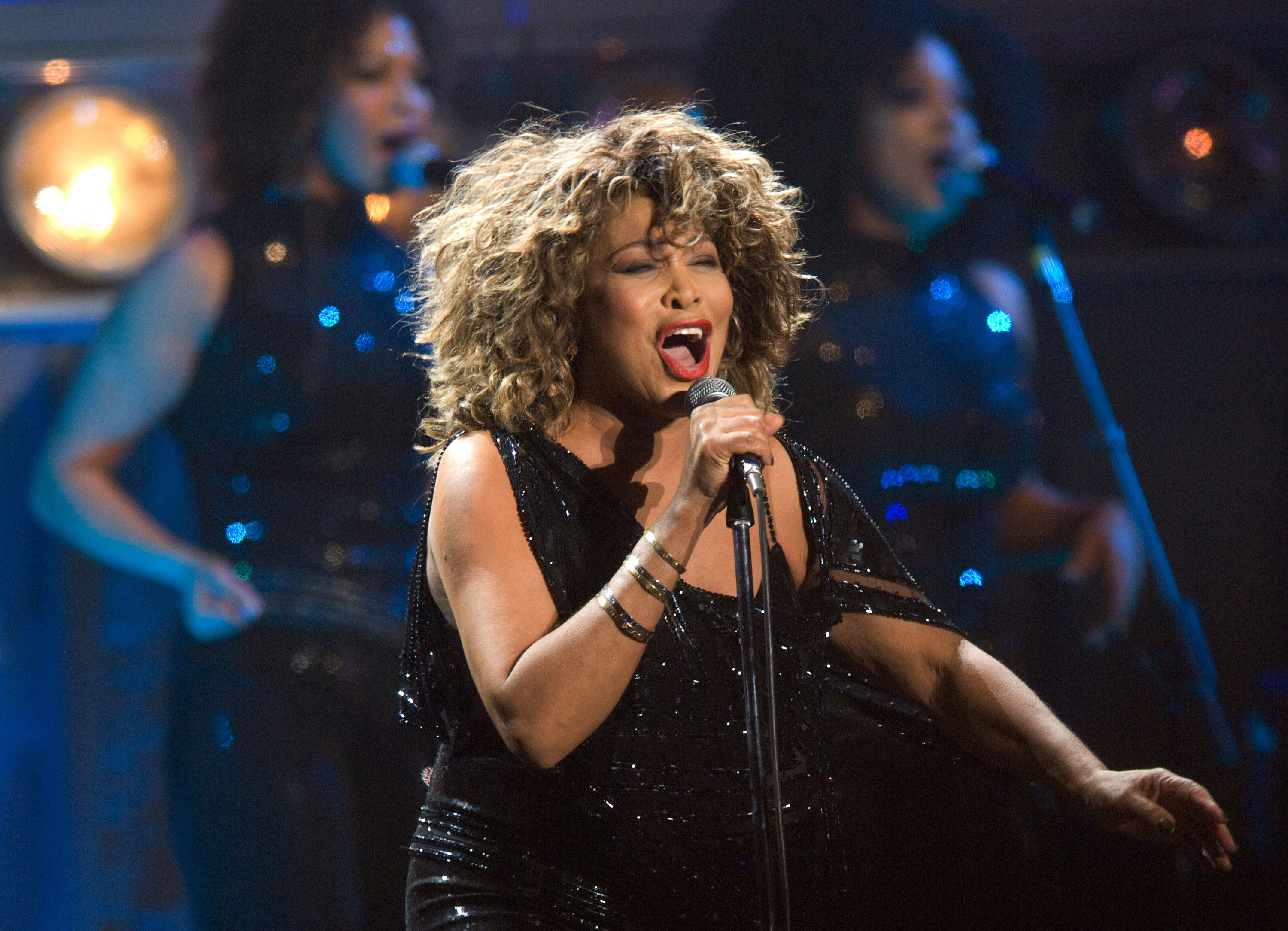 Tina Turner performing in the Netherlands in 2009 on final tour