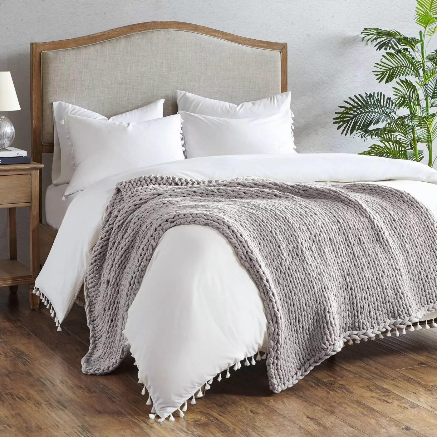 The blanket in gray