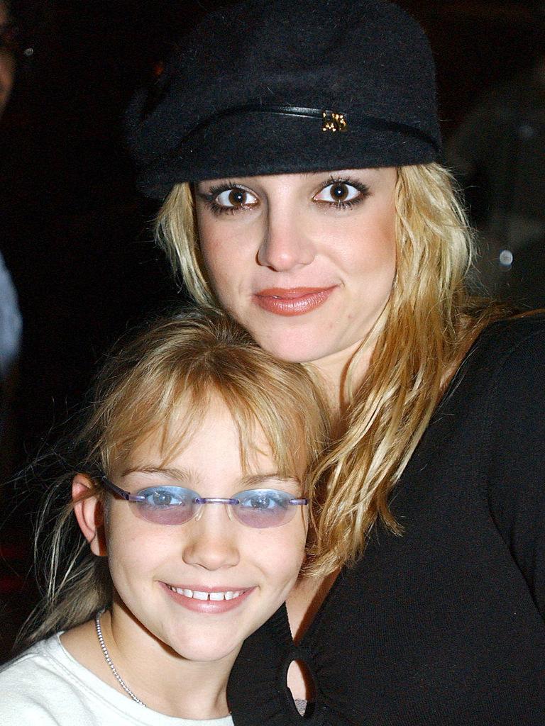 Britney Spears (R) and sister Jamie Lynn Spears