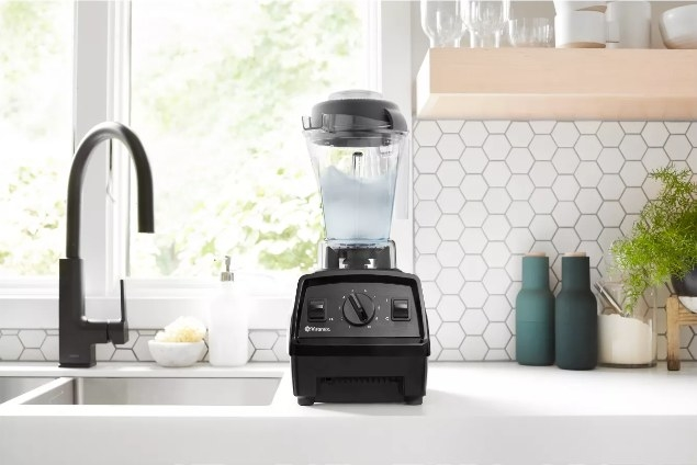 A ten-speed blender that create delicious smoothies, cocktails, and more