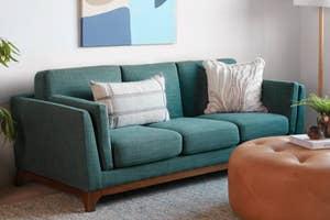 The three-seat Ceni sofa
