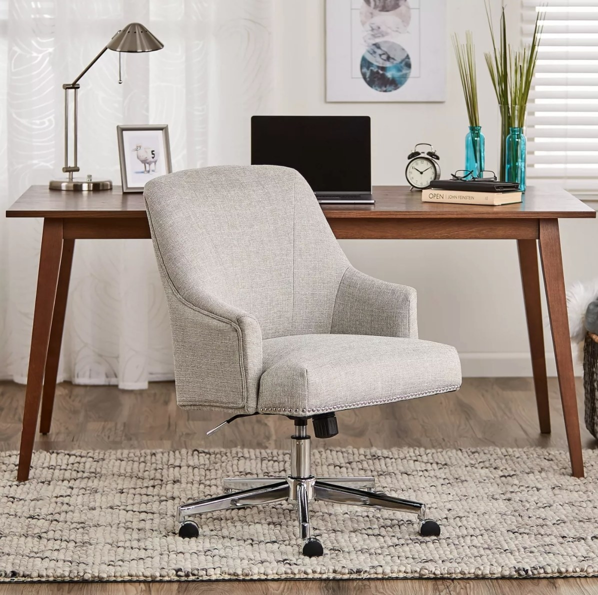 The home office chair in gray
