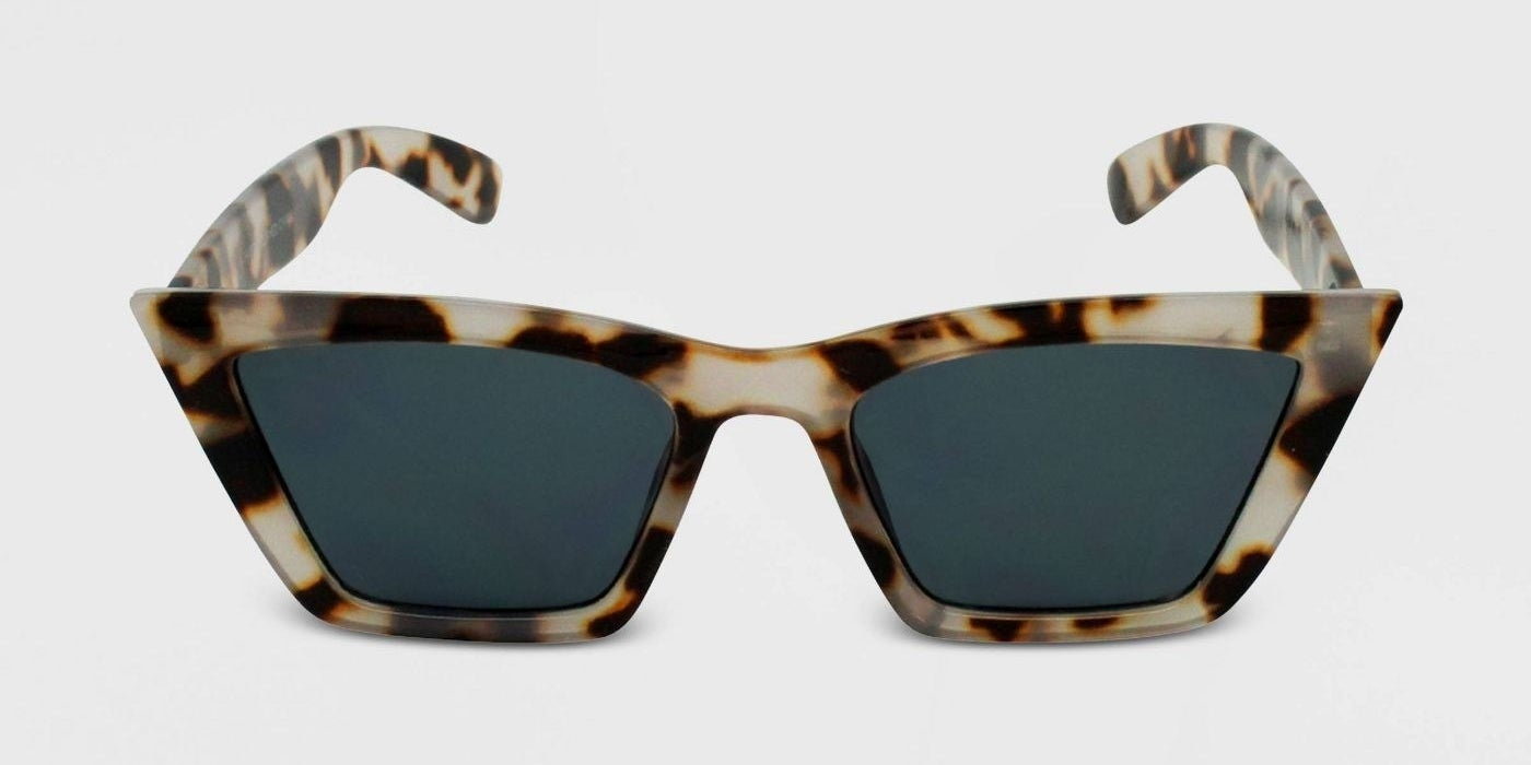 tortoise print sunglasses