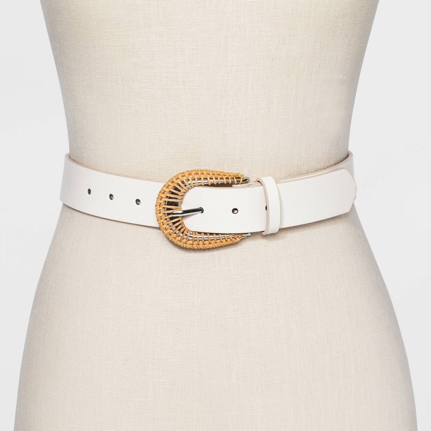 white belt with rattan buckle
