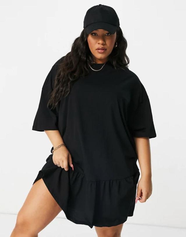 model wearing the black t-shirt dress