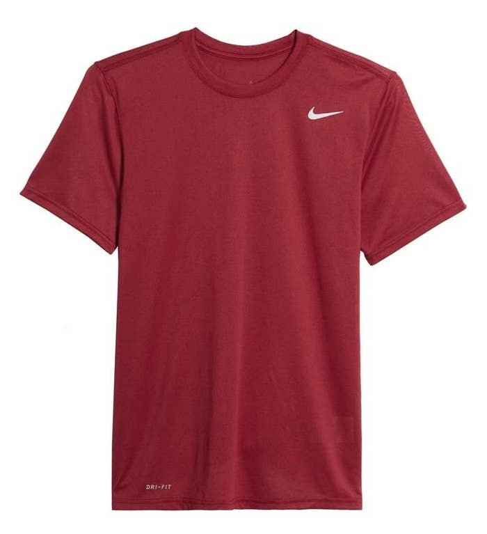 The short-sleeve T-shirt in red