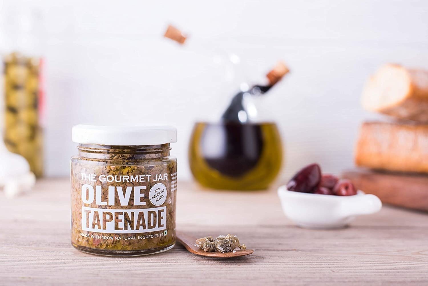 Packaging of the olive tapenade