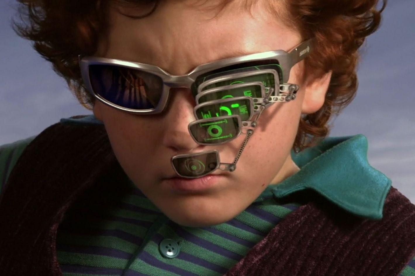 Spy Kids magnifying glasses meme