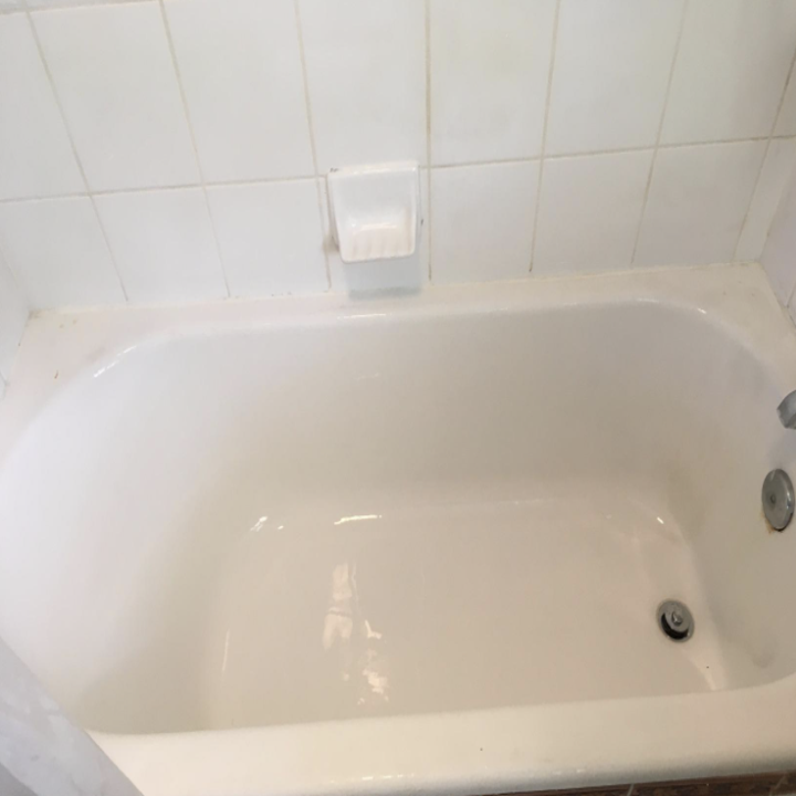 the same tub completely clean