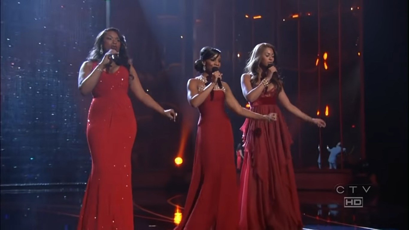 The Dreamgirls performing