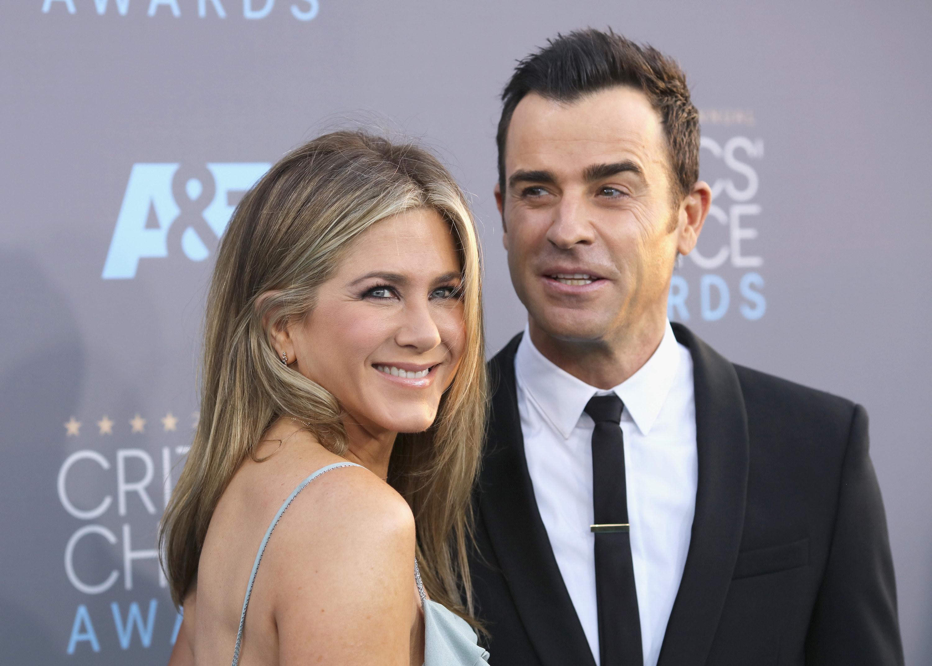 Theroux and Aniston at the Critics' Choice Awards in 2016