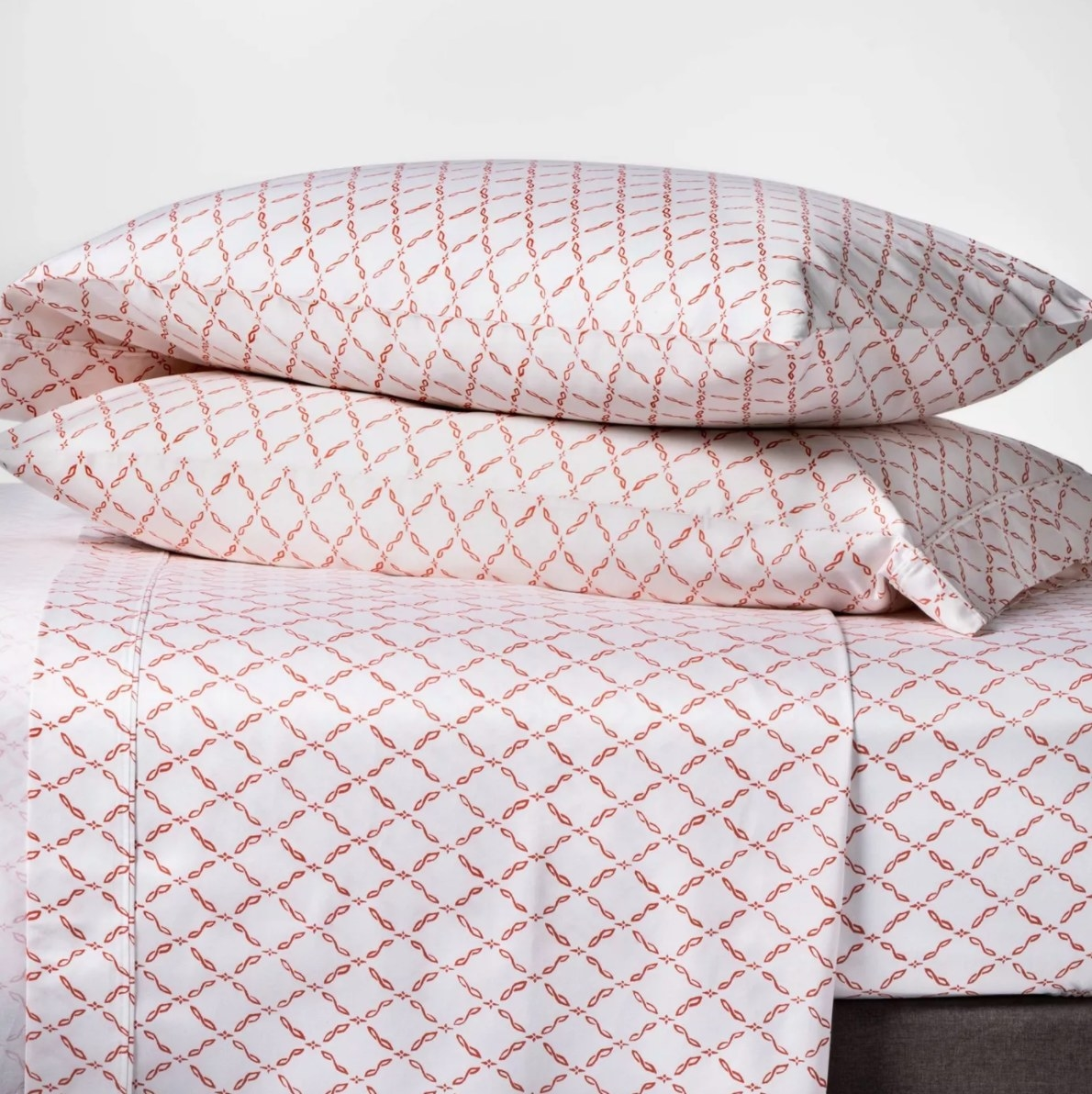 The 400 thread count sheet in coral lattice