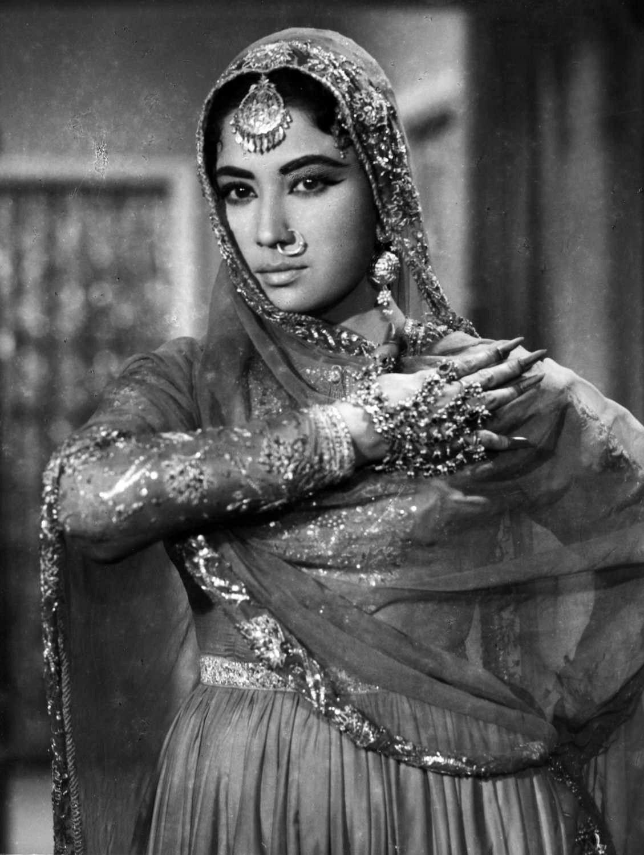 Meena in film Pakeezah, 1972