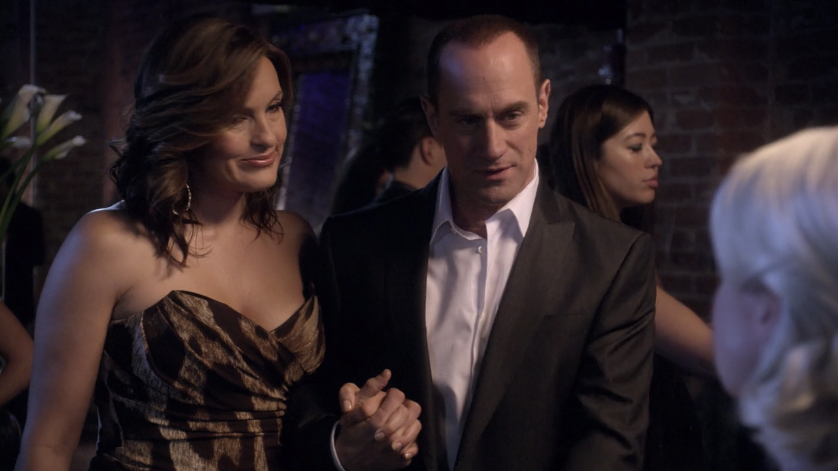Benson and Stabler pretending to be man and wife