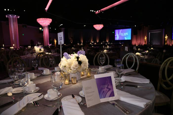 A photo of a dining table at a prior Oscars reception