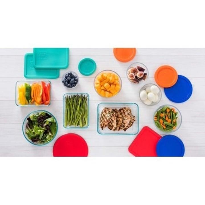 The Pyrex food storage set