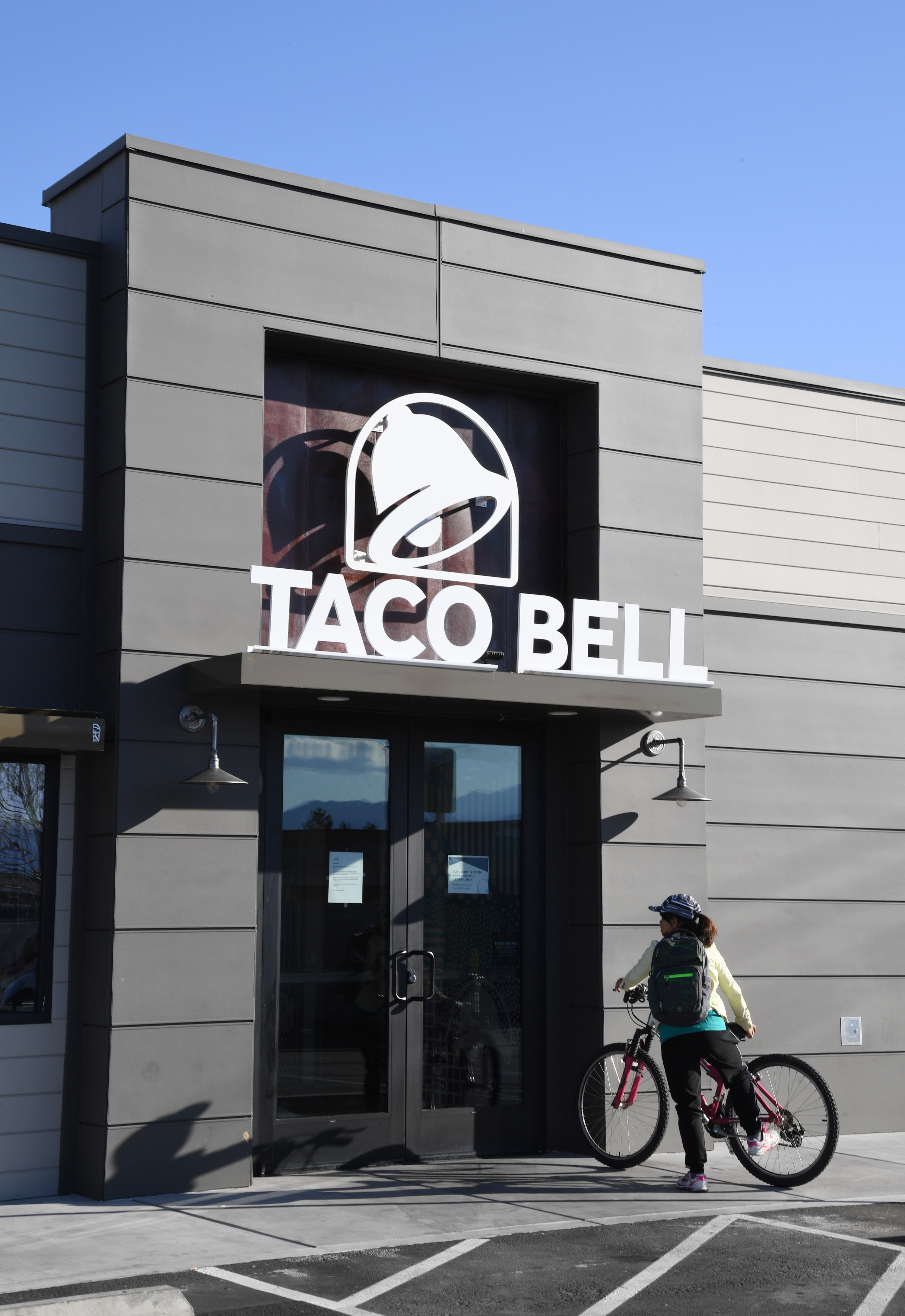 A Taco Bell storefront