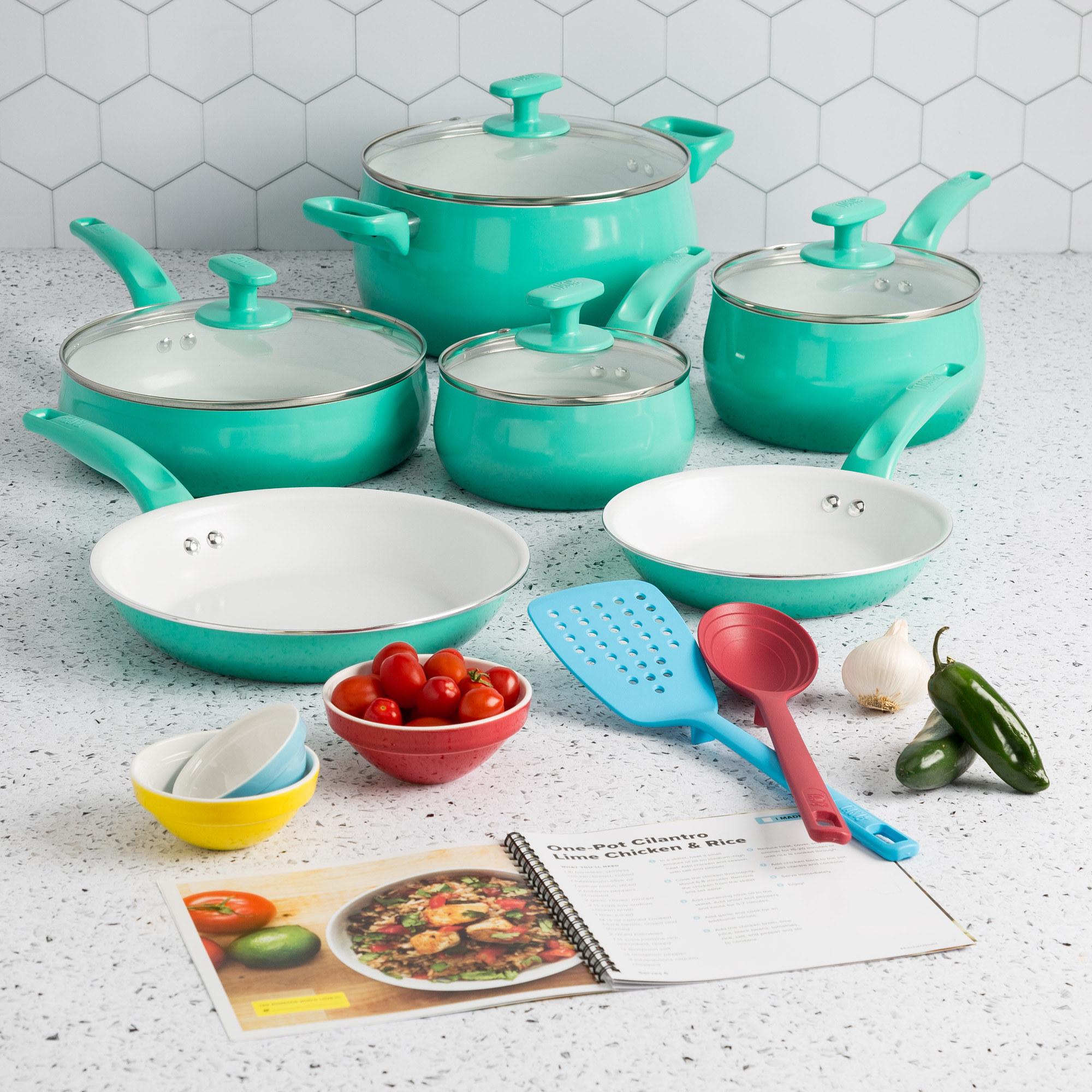 The cookware set in aqua