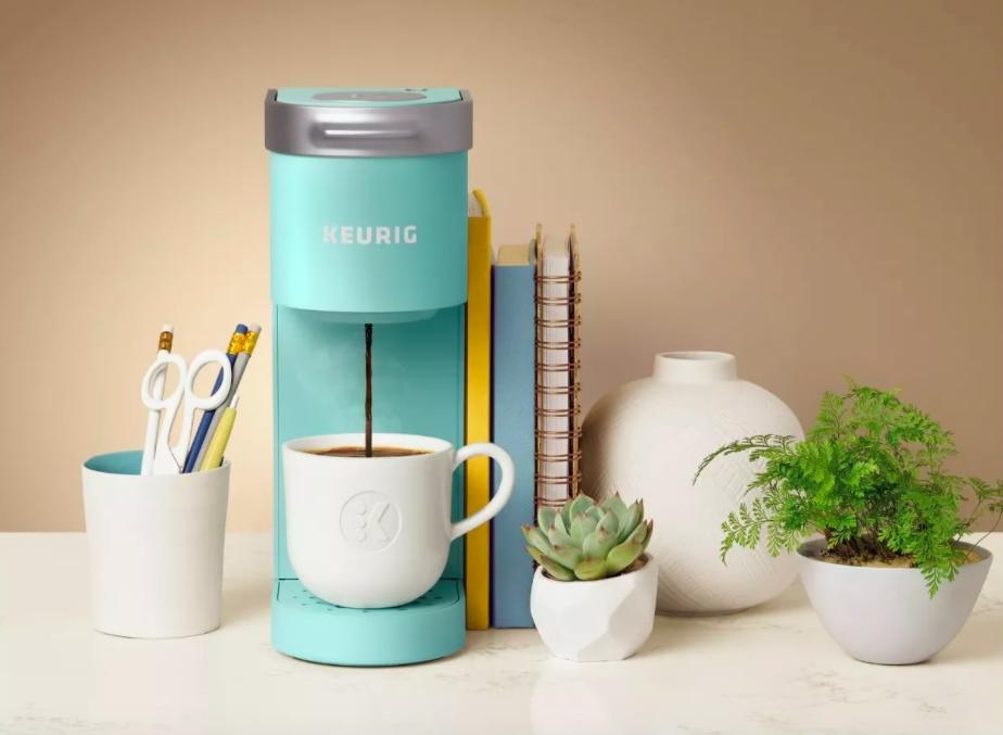 The Keurig K-Mini Single-Serve K-Cup Pod Coffee Maker in Oasis