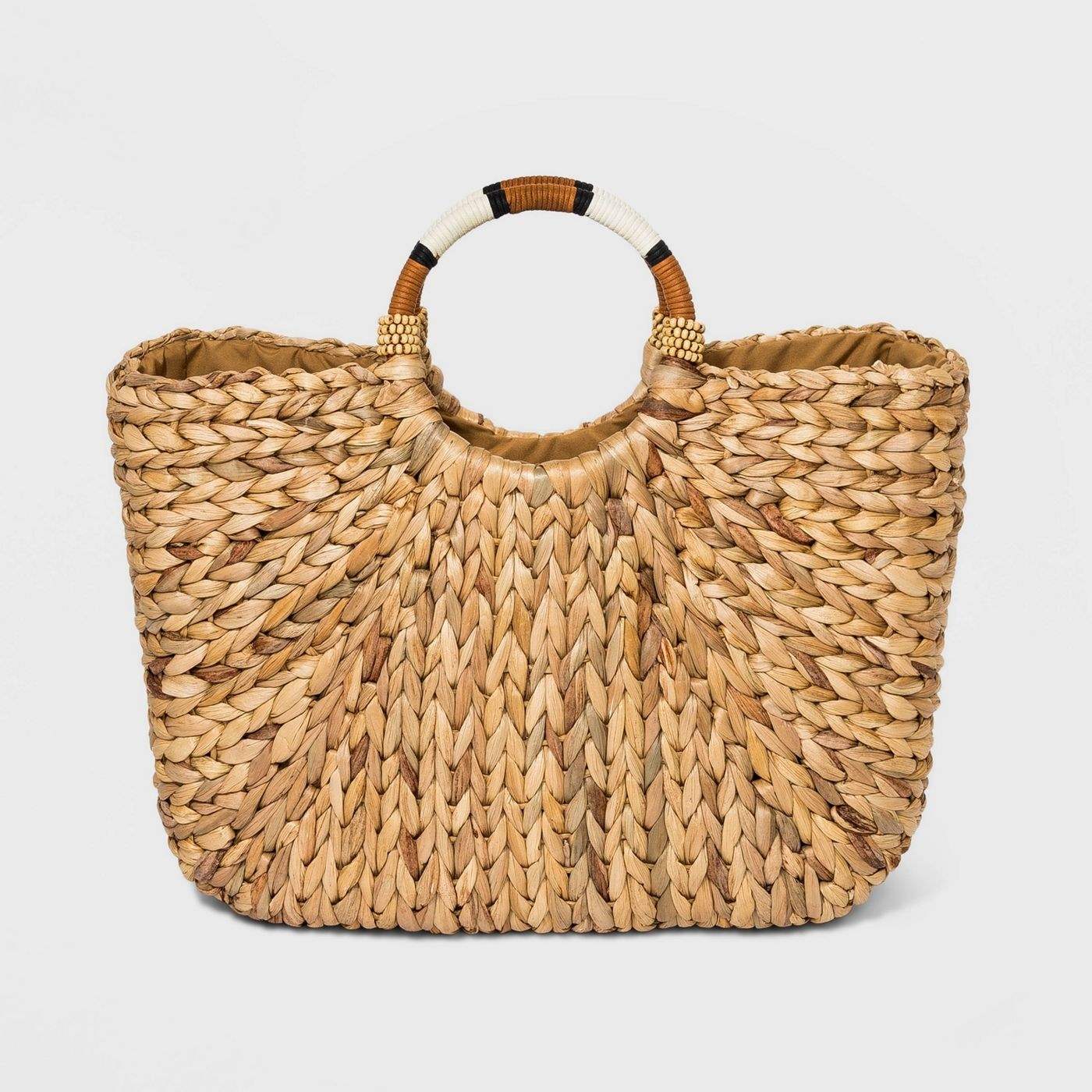 square-shaped braided wicker basket with circle handle