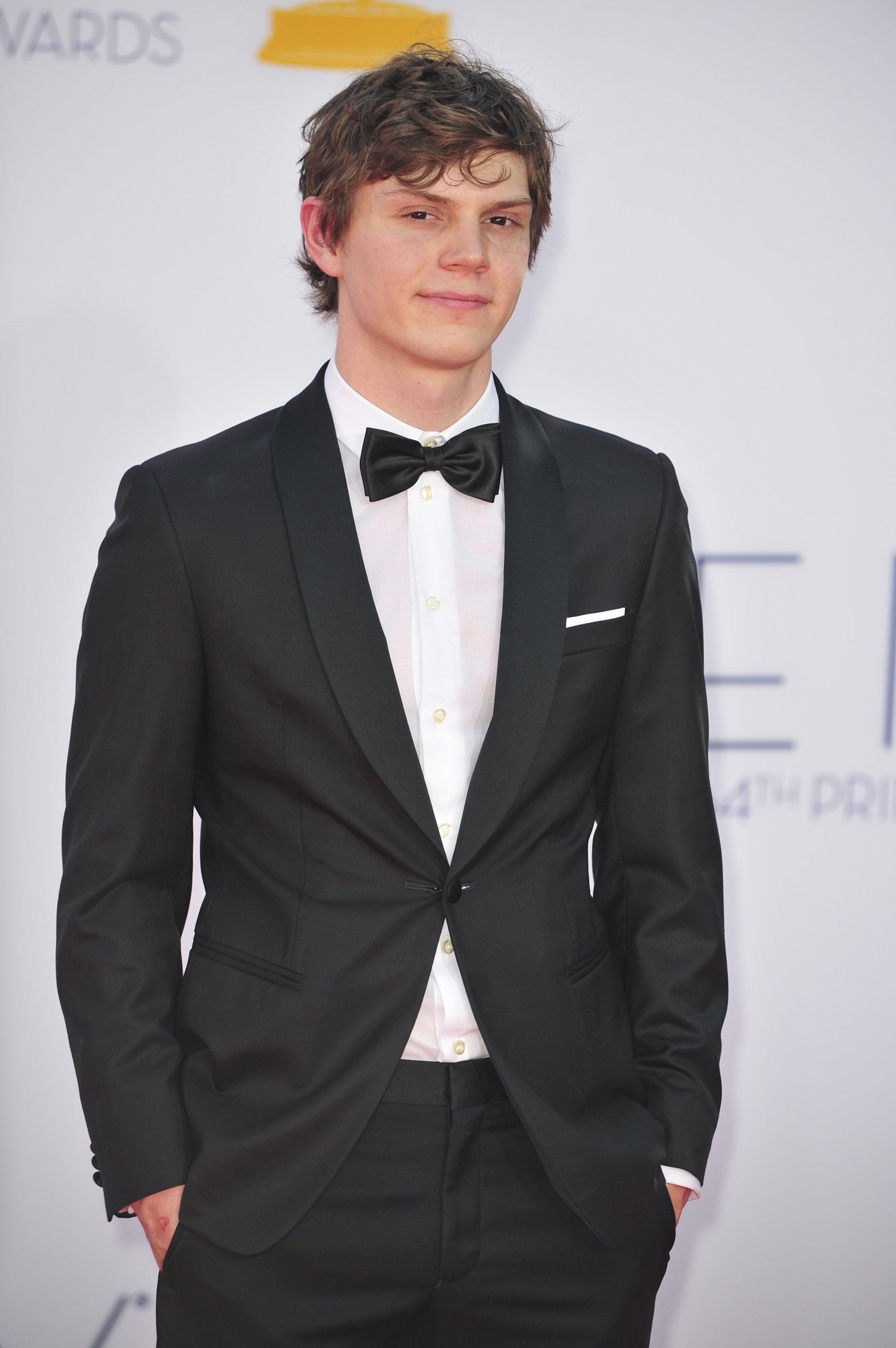 Evan Peters in a tux