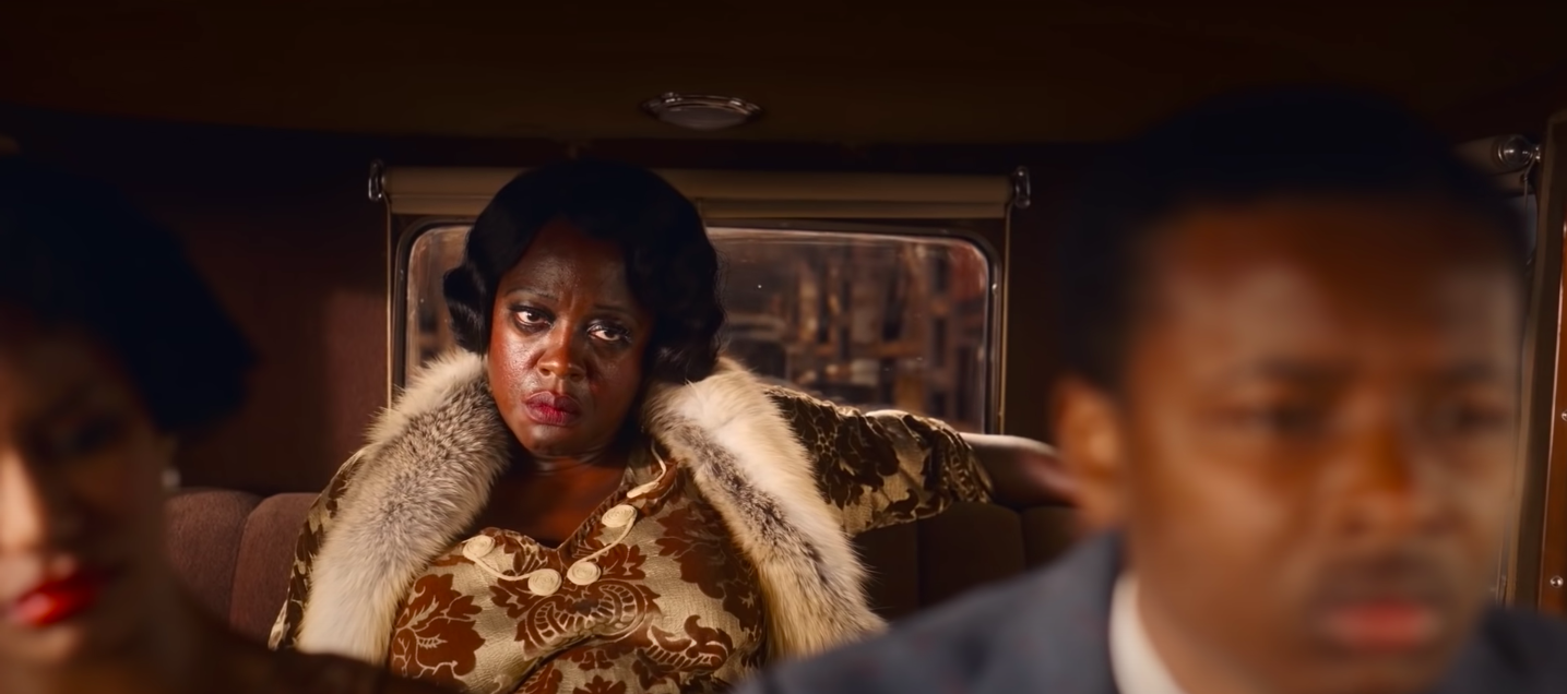 """Viola Davis looking upset in the back of a car in """"Ma Rainey's Black Bottom"""""""