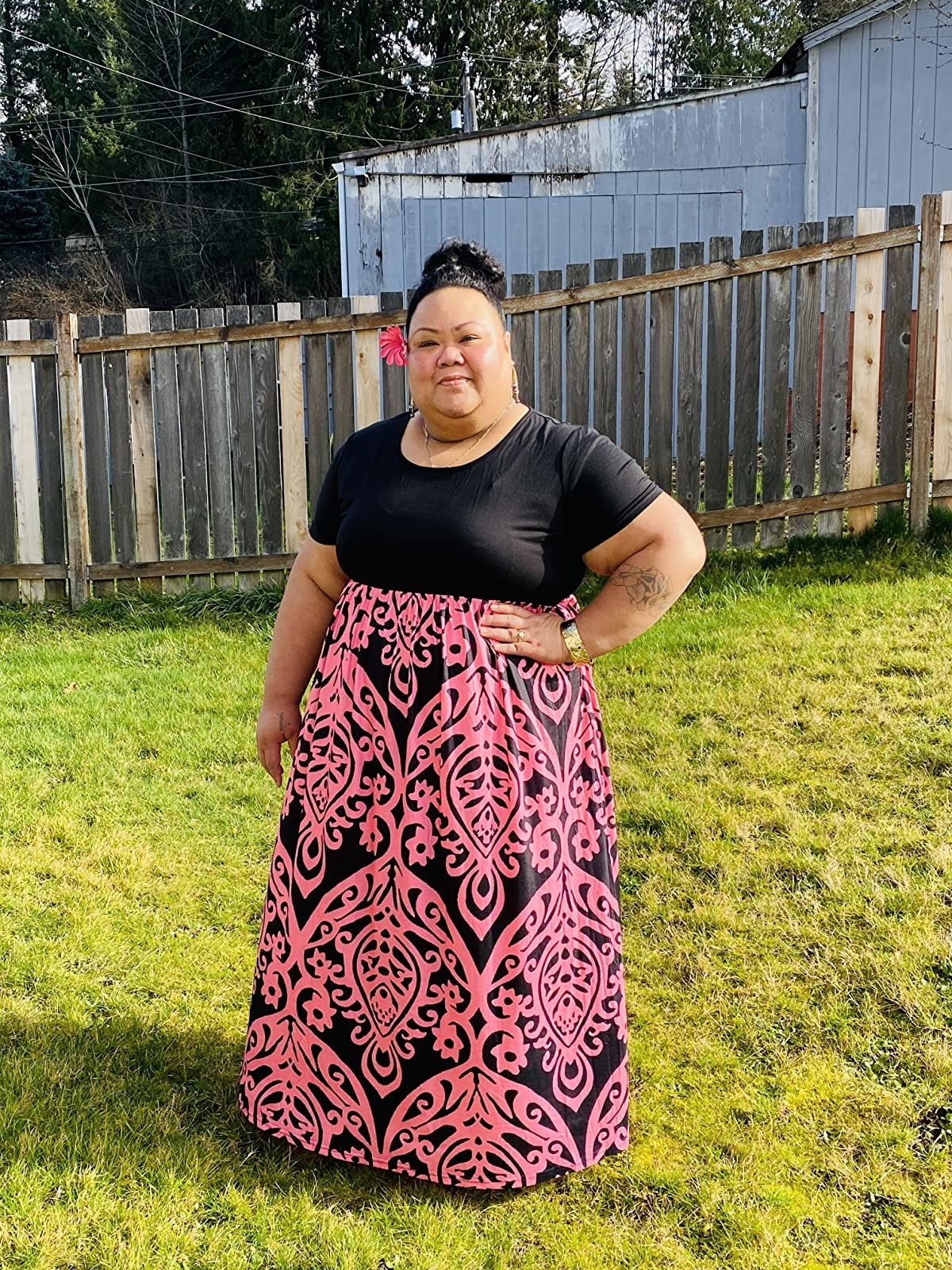 a reviewer in the short sleeve maxi dress