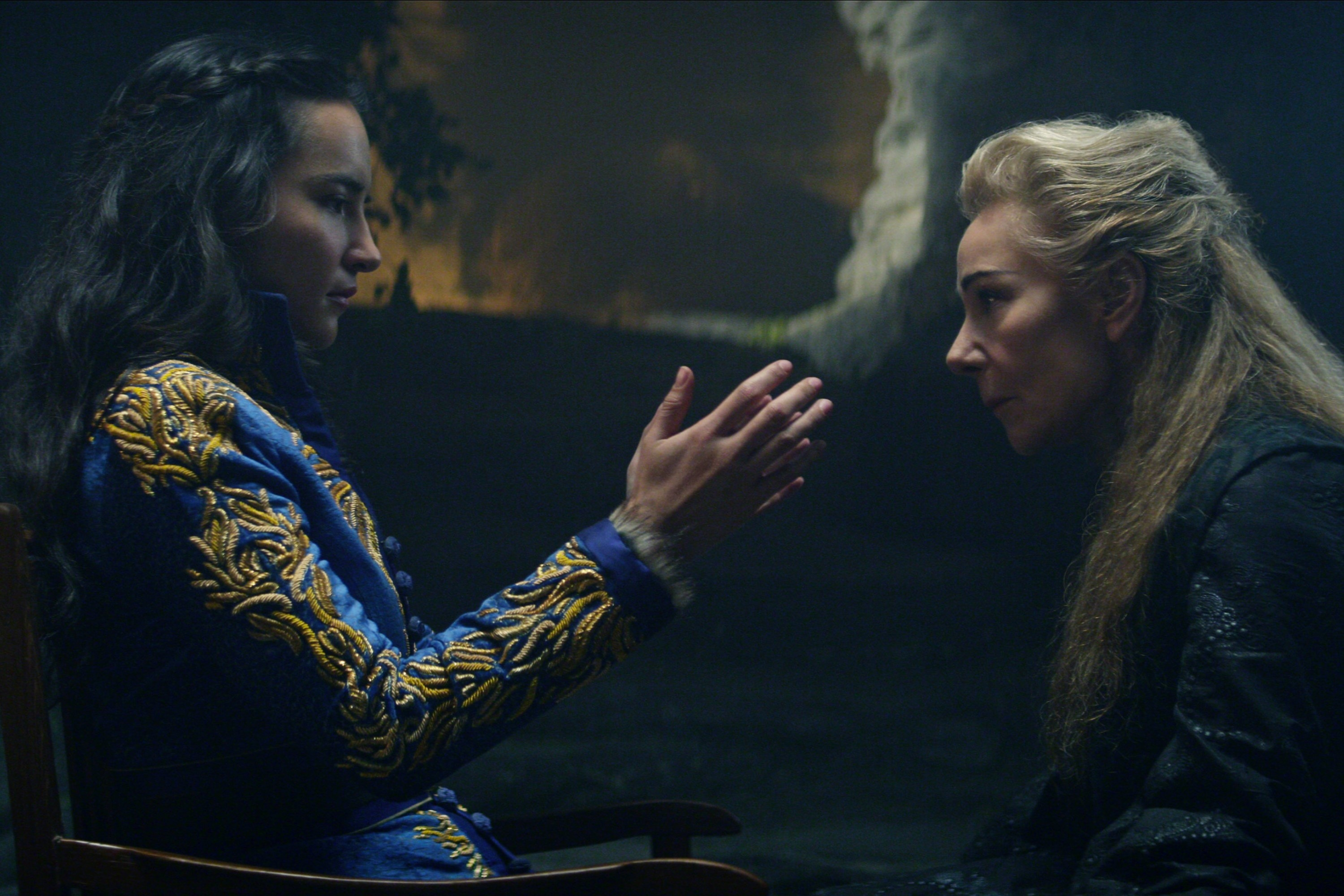 SHADOW AND BONE (L to R) JESSIE MEI LI as ALINA STARKOV and ZOè WANAMAKER as BAGHRA