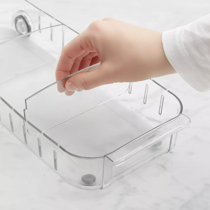 Model moving adjustable shelf