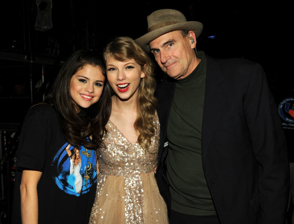 "Elena Gomez, Taylor Swift, and James Taylor pose during the ""Speak Now World Tour"" at Madison Square Garden 2011"
