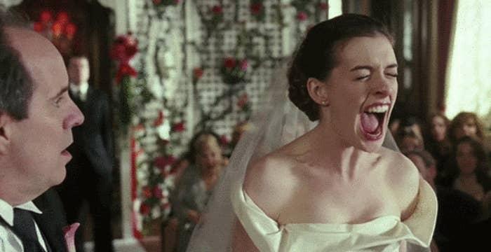 Anne Hathaway screaming in the movie bride wars