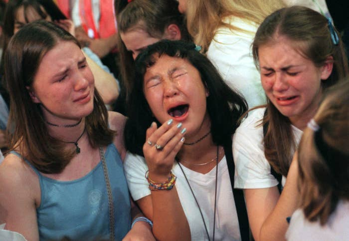 girls crying at an nsync concert