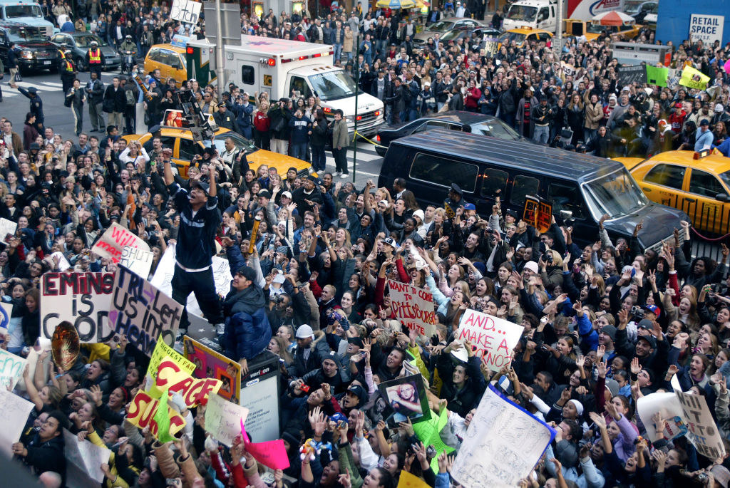 a crowded times square