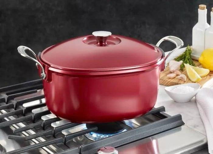 The red aluminum pot