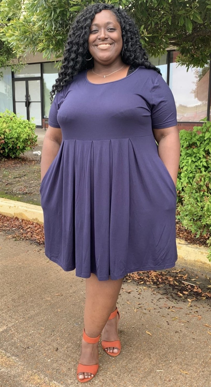 Reviewer in short sleeve navy blue midi dress