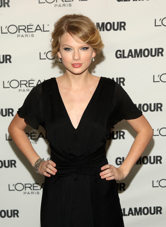 Taylor Swift in a black dress