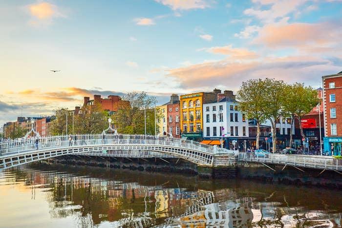 Hapenny Bridge in Dublin