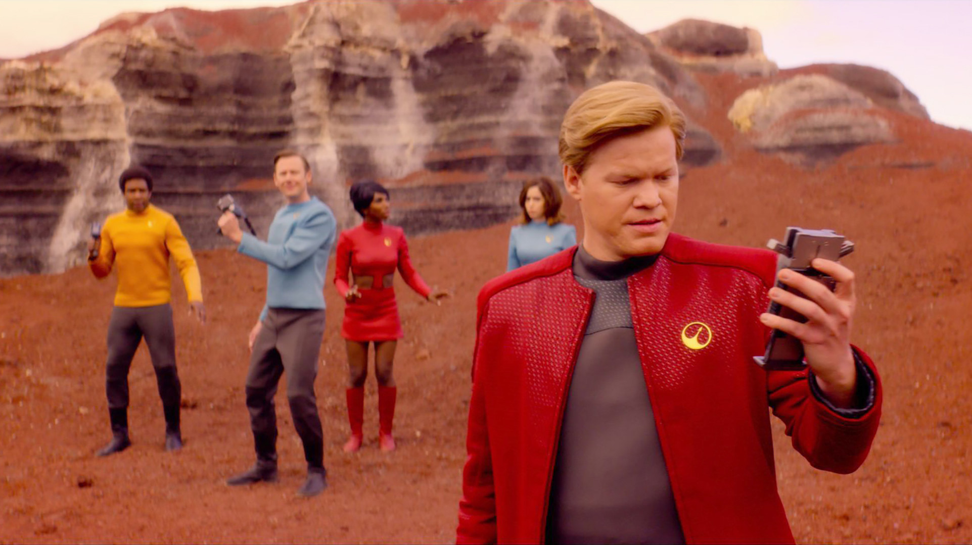 """""""USS Callister"""" cast of Black Mirror on red planet"""