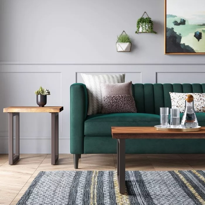 The green sofa