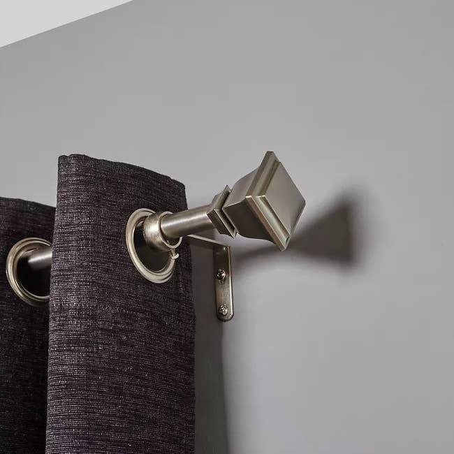 The curtain rod
