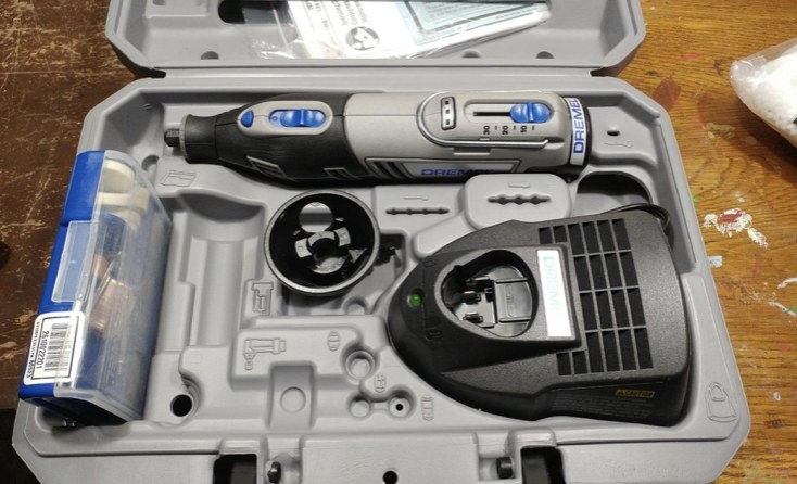 A reviewer's open rotary tool kit