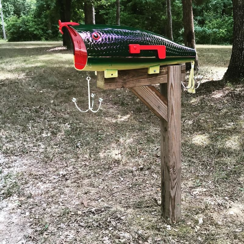 Mailbox that looks like a fish-shaped lure