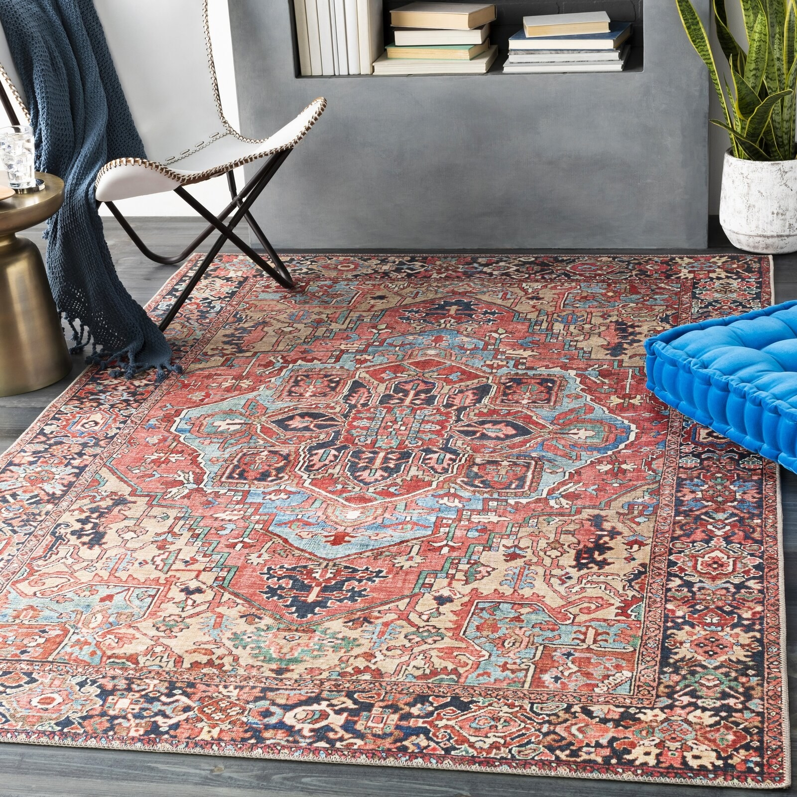 The rug in red
