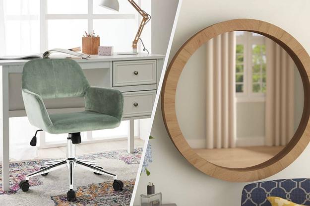 到左边:一个绿色的办公椅,右边:一个木圆镜