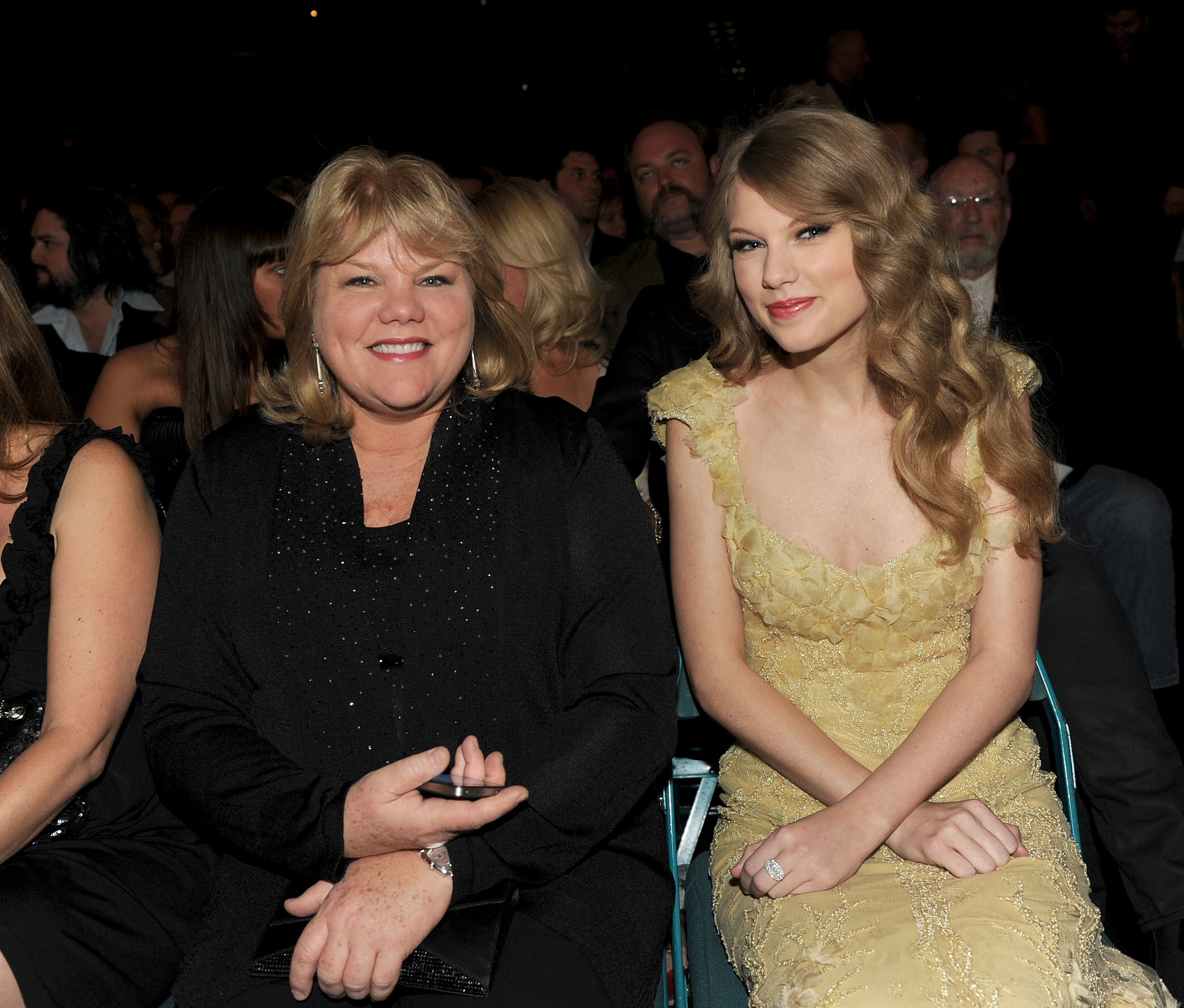Taylor Swift and mom Andrea at an awards show