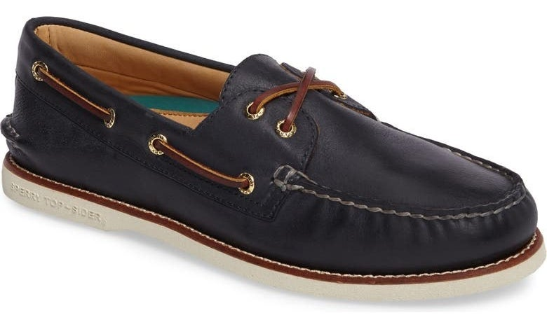 The shoe in Navy Leather