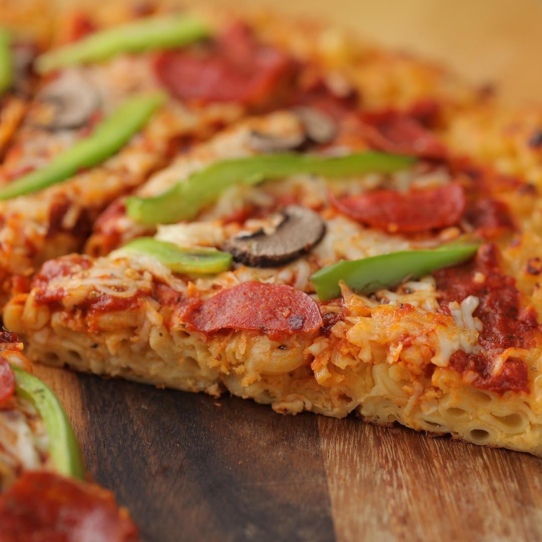 Mac 'n' cheese crust pizza