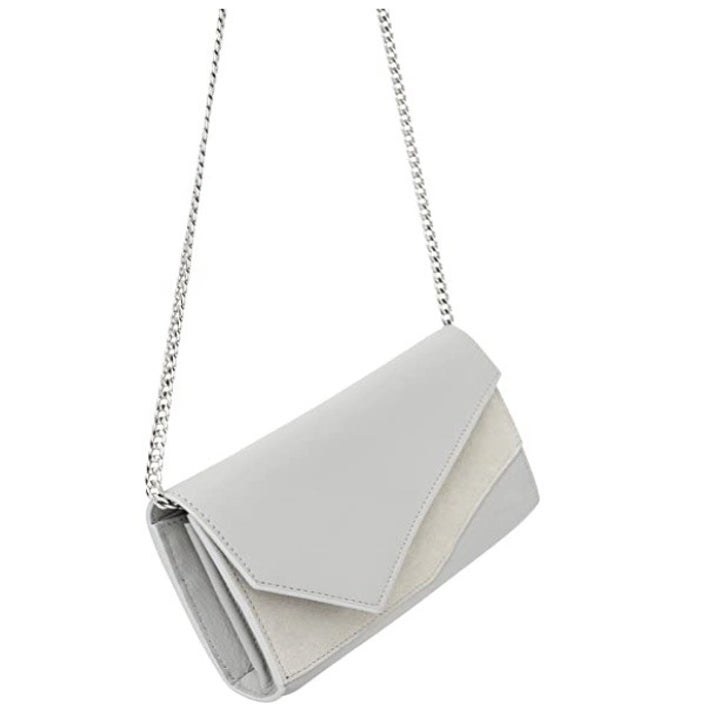 the chain-strap flap bag in white