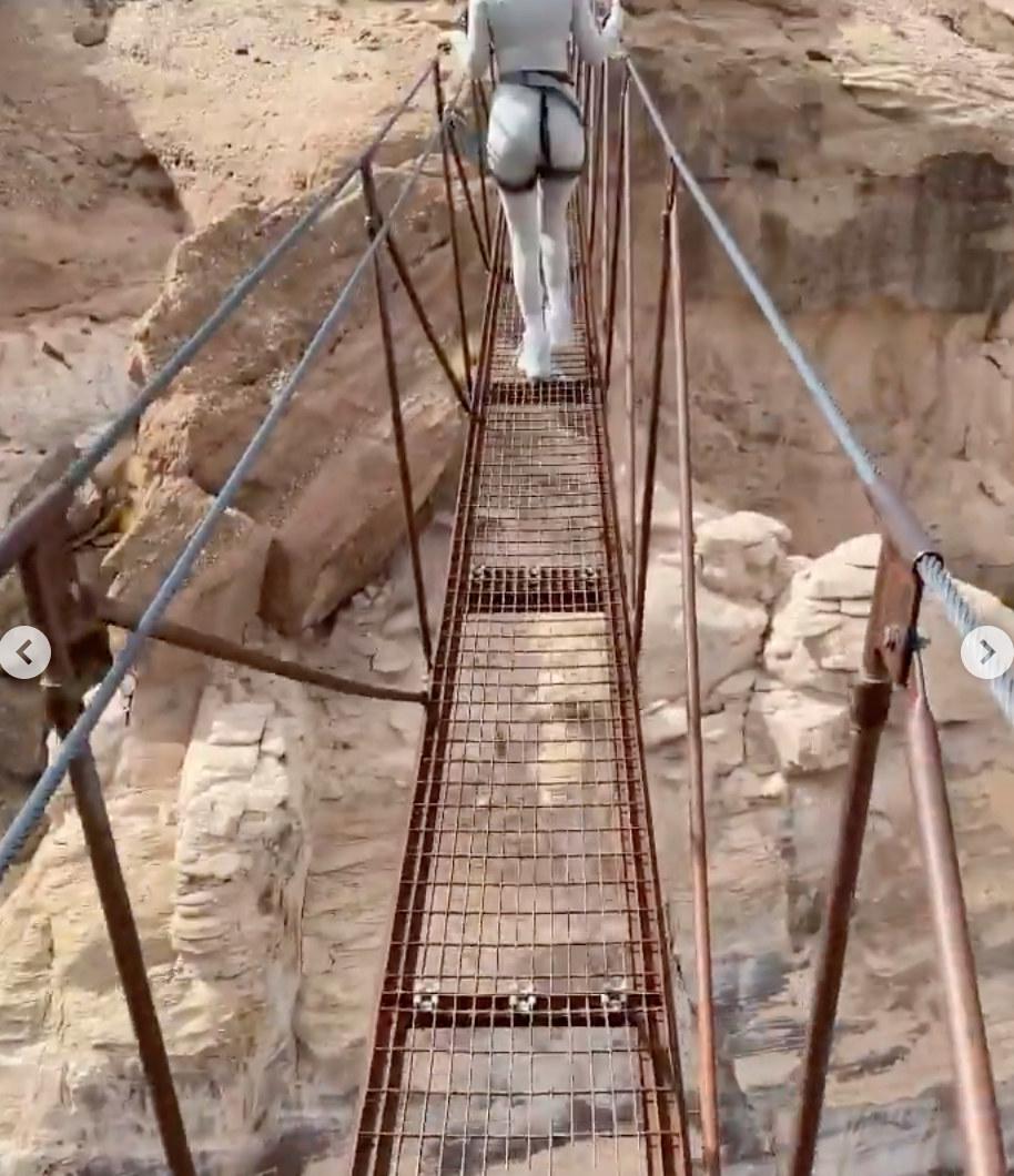 The narrow bridge that Travis Barker walked across with Kourtney Kardashian