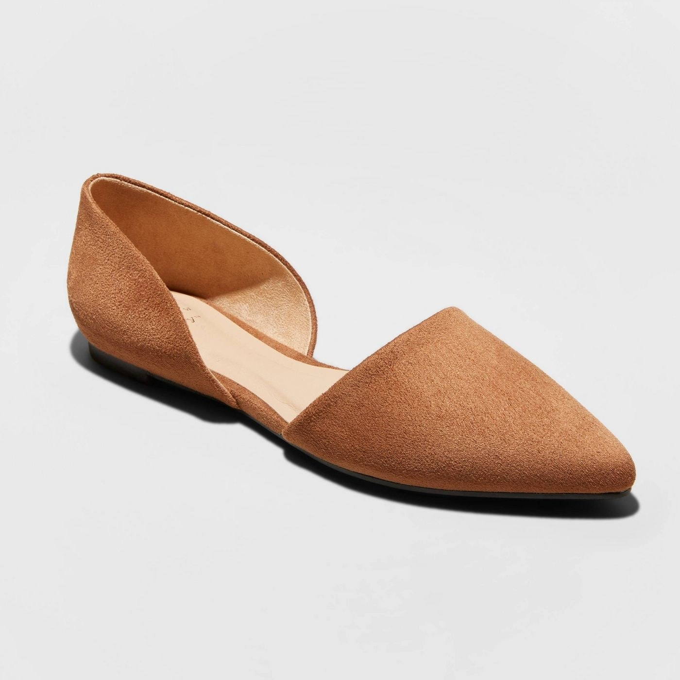 Pointed toe camel flats made from suede